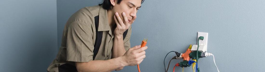 La formation préparatoire à l'habilitation électrique permet de prévenir les risques électriques sur le lieu de travail. L'habilitation est remise par l'employeur après le suivi de cette formation.